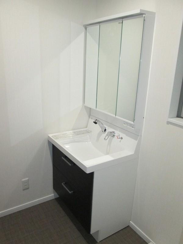 洗面化粧台(三面鏡仕様)